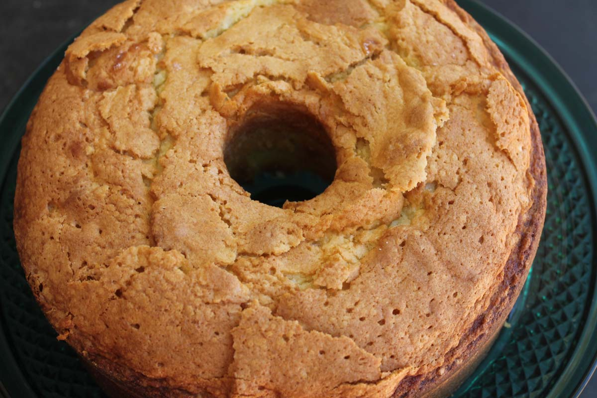 Cake Designs By Jackie Brown : Easy Pound Cake {freezer-friendly}