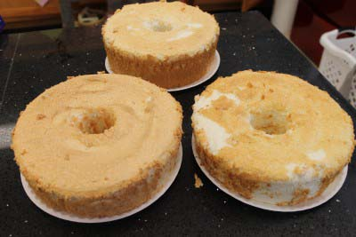 How to Freeze Cakes {Angel Food Cake Recipe}